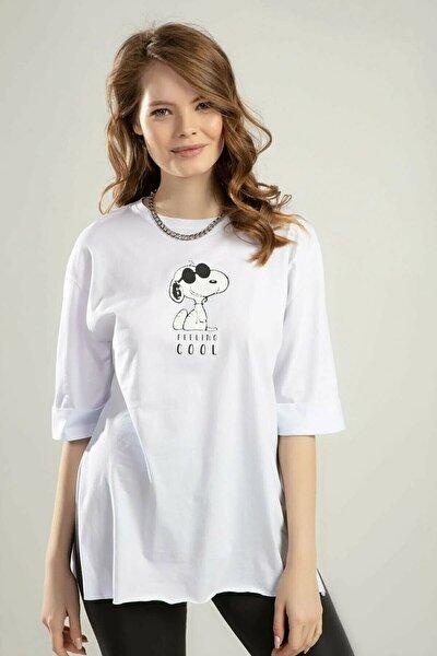 Kadın Beyaz Önü ve Arkası Baskılı Yanları Yırtmaçlı Oversize Duble Kol T-shirt