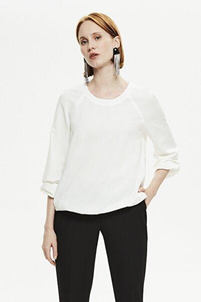 Kadın Ekru Kolu Büzgü Detaylı Bluz