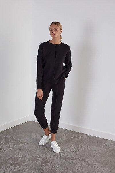 Kadın Siyah Beli ve Paçası Lastikli Cepli Triko Pantolon