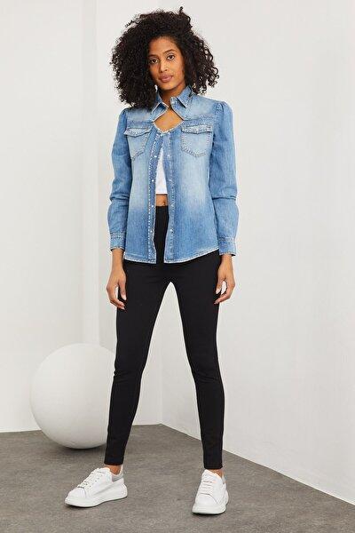 Kadın Mavi Yaka Dekolteli Uzun Kol Denim Gömlek G-8644