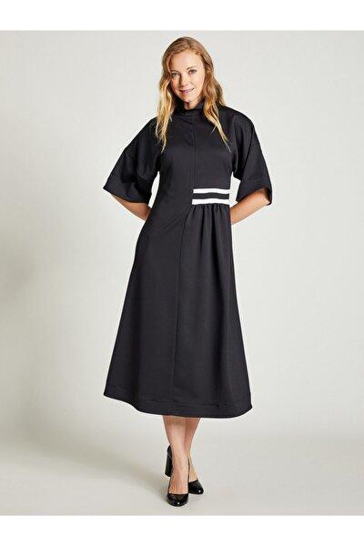 Kadın Siyah Dik Yaka Rahat Kesim Elbise