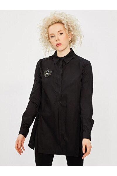 Kadın Siyah Klasik Kesim Broşlu %100 Pamuk Gömlek