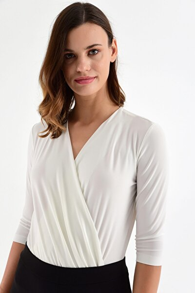 Kadın Ekru Alttan Çıtçıtlı Kruvaze Bluz