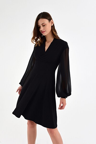 Kadın Simli Siyah Kolda Şifon Detaylı Haraketli Etek Detaylı Elbise
