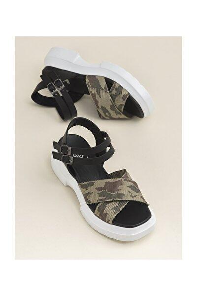 Peronel Kadın Sandalet