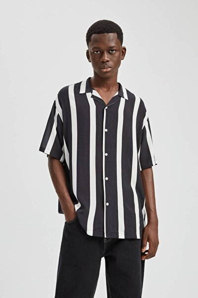 Erkek Siyah Dikey Çizgili Gömlek