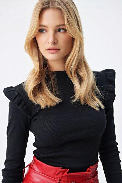 Kadın Siyah Omuzları Fırfırlı  Bluz