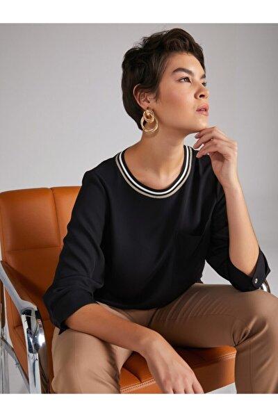 Kadın Siyah Yakalı Bluz