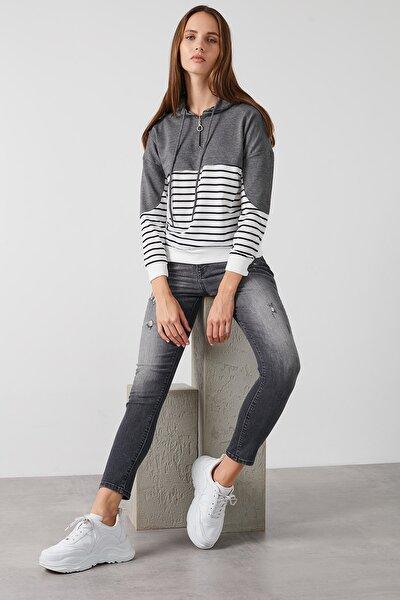 Kadın Gri Çizgili Fermuarlı Kapüşon Yaka Uzun Kollu Örme Sweatshirt 5819380