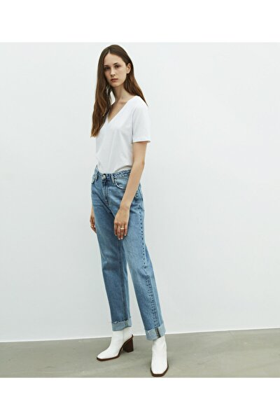 Kadın Beyaz V Yaka Basic Tişört