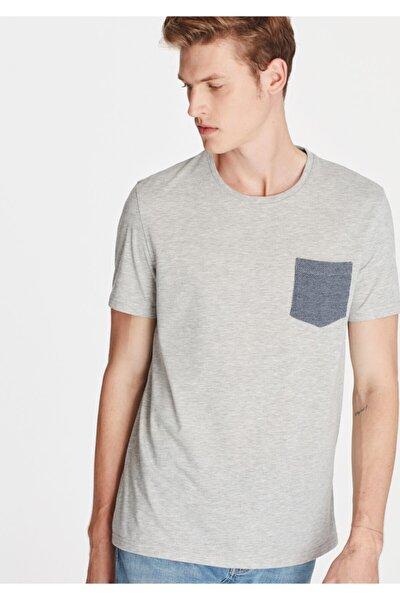 Cepli Açık Gri Tişört