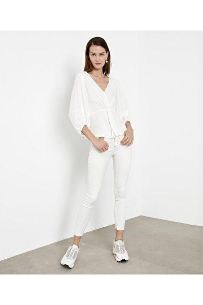 Kadın Beyaz Bel Vurgulu Bluz IS1200006173002