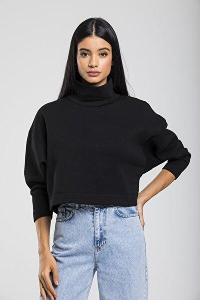 Kadın Siyah Boğazlı Örme Sweatshirt