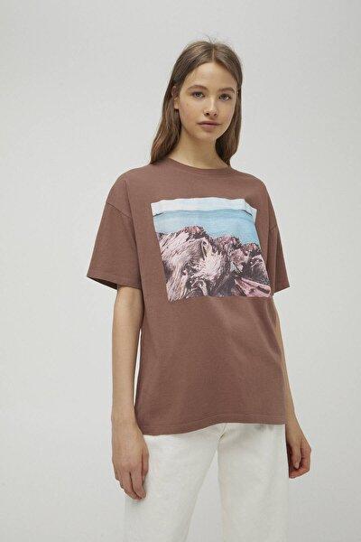 Kadın Kahverengi Fotoğraf Ve Deniz Görselli T-shirt