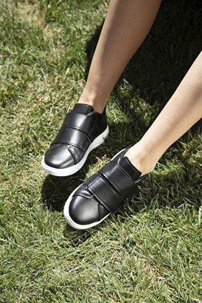Kadın Siyah Beyaz Spor Ayakkabı M4000-19-101003R