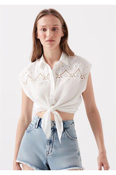 Nakışlı Bağlama Detaylı Kırık Beyaz Gömlek