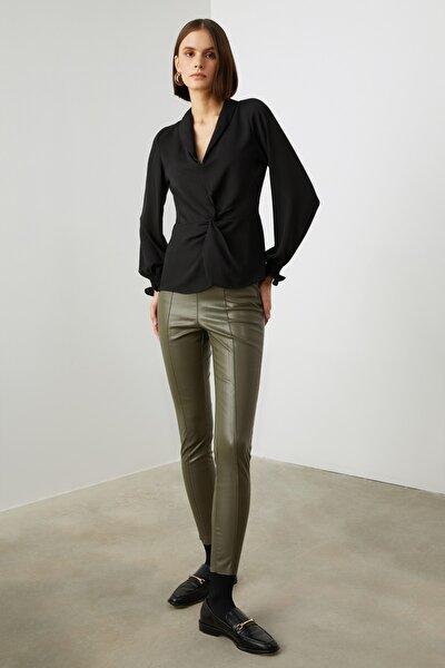 Siyah Büzgülü Bluz TWOAW21BZ1064