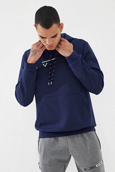 Erkek İndigo Invıncıble Nakışlı Kanguru Cepli Sweatshirt