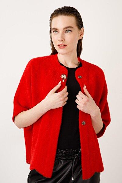 Kadın Kırmızı Sıfır Yaka Broşlu Hırka