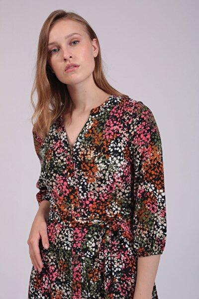 Kadın Renkli Çiçekli Önden Düğmeli Kloş Elbise
