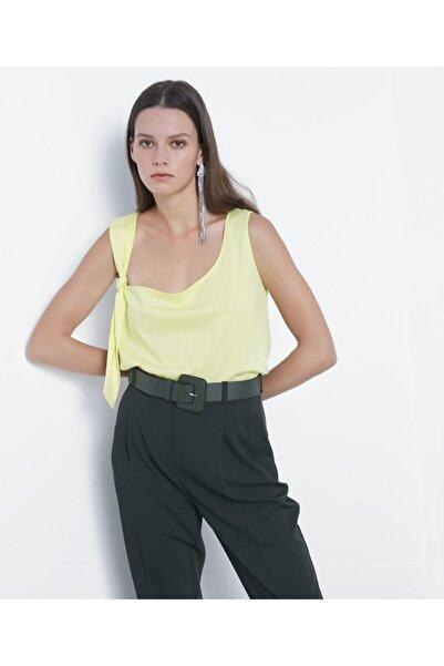Kadın Açık Yeşil Askı Detaylı Tshirt