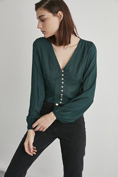 Kadın Koyu Yeşil V Yaka Düğme Detaylı Sırtı Gipeli Bluz