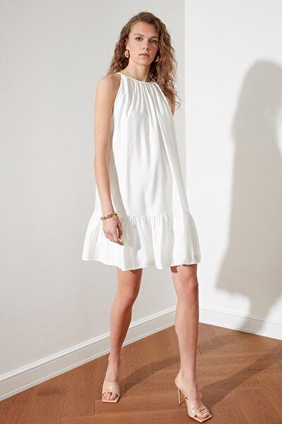 Beyaz Halter Yaka Elbise TWOSS21EL2123