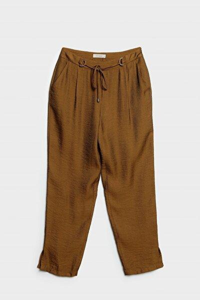 Kadın Hardal Kemer Detaylı Pantolon
