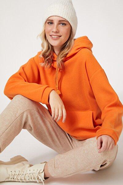 Kadın Oranj Kapüşonlu Kışlık Polar Sweatshirt ZV00047