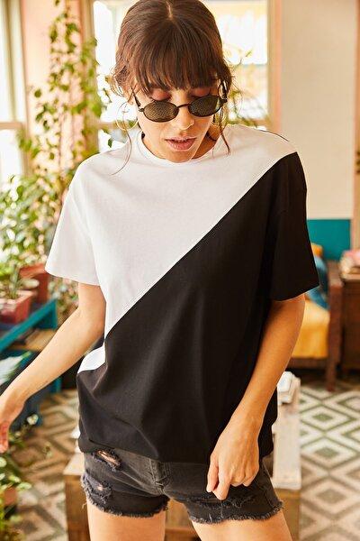 Kadın Beyaz Asimetrik Bloklu T-shirt TSH-19000350