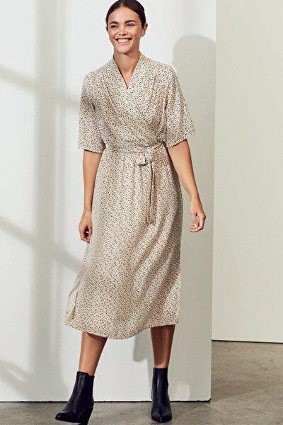 Kadın Ekru Kruvaze Bağlamalı Yanlardan Yırtmaçlı Elbise 10225677 VMKANYA