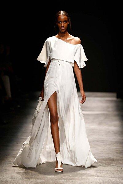 Kadın Volan Detaylı Uzun Beyaz Elbise