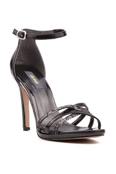 Kadın Klasik Siyah Rugan Bantlı  Ayakkabı