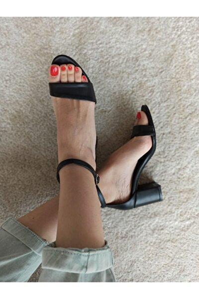 Kalın Topuk Tek Bantlı Ayakkabı