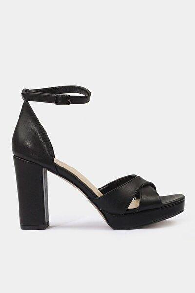 Yaya Siyah Sandalet