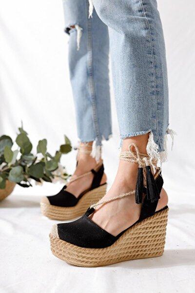 Bella Siyah Süet Dolgu Tabanlı Hasır Bilekten Bağlamalı Sandalet