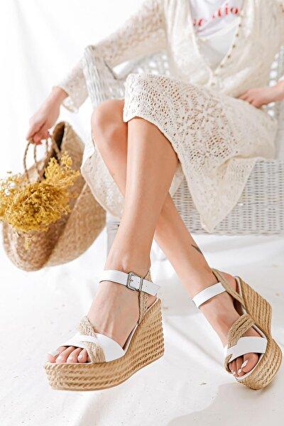Kadın Beyaz Hasır Bantlı Dolgu Topuklu Ayakkabı