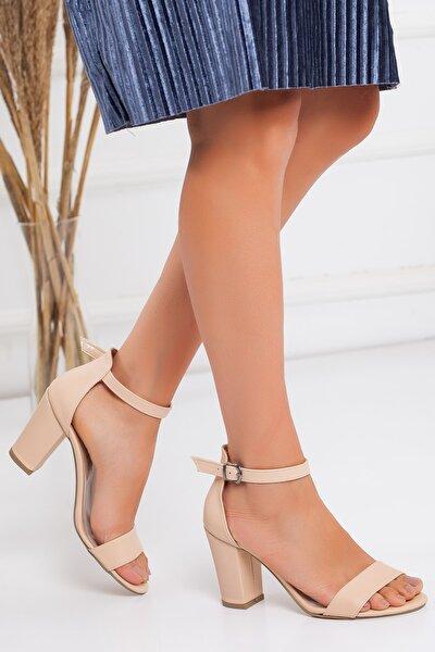Kadın Krem Cilt Tek Bant Topuklu Ayakkabı