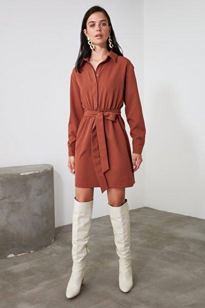 Kahverengi Kuşaklı Elbise TWOAW21EL1909
