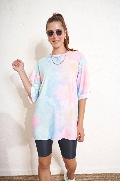 Batik Desenli Kolları Katlamalı T-shirt