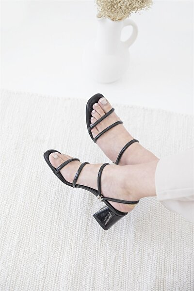 Camren Bayan Topuklu Rugan Sandalet Siyah