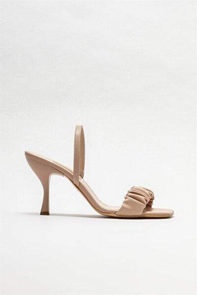 Kadın Bej Naturel Topuklu Sandalet