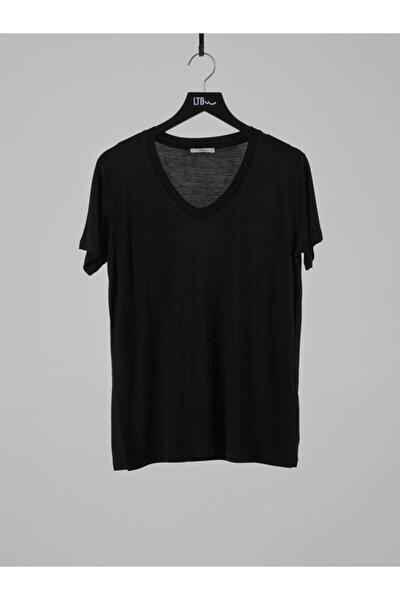 Kadın  Siyah Kısa Kol V Yaka T-Shirt 012218000761450000