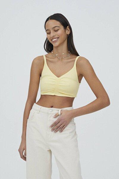 Kadın Açık Sarı Büzgülü Elastik Detaylı Askılı Top
