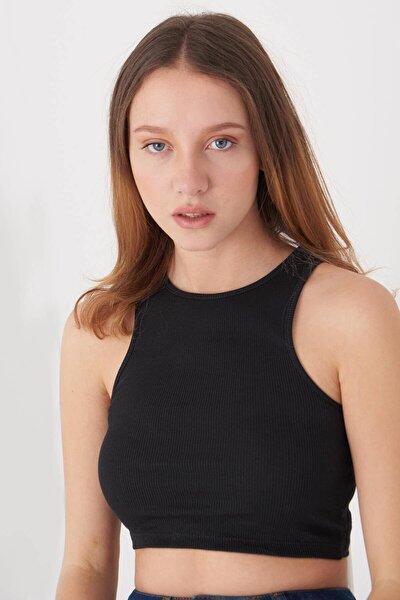 Kadın Siyah Kolsuz Bluz A0962 - T1 Adx-0000022396