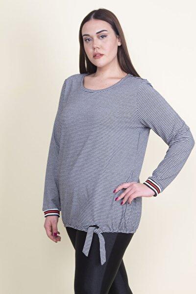 Kadın Siyah Etek Ucu Detaylı Bluz 65N21067