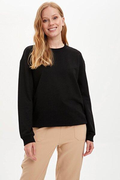 Kadın Siyah Yarım Düşük Omuz Sweatshirt M0021AZ20AU