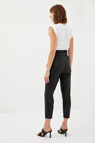 Kadın Black Red Carrot Fit Deri Kemerli Dokuma Pantolon R6220AZ20AUBK