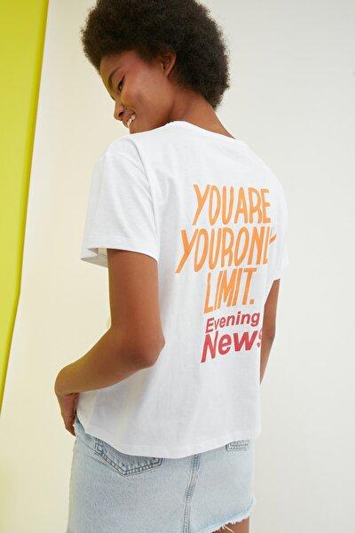 Beyaz Baskılı Semifitted Örme T-Shirt TWOSS21TS2333