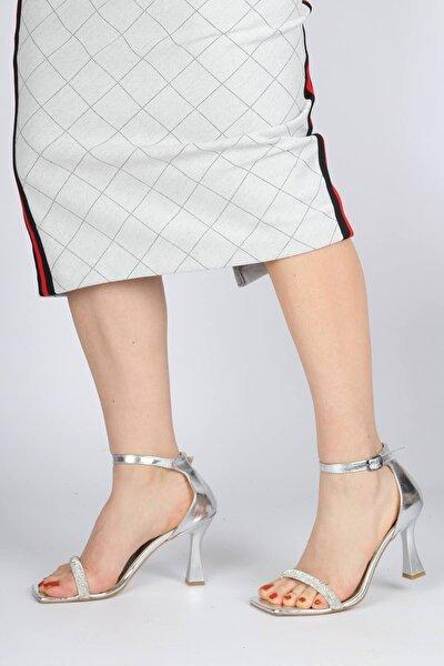 Kadın Gümüş Taşlı Tek Bant Kadeh Topuklu Ayakkabı Toffy